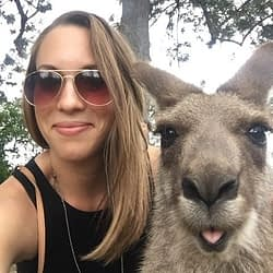Sarah_and_kangaroo