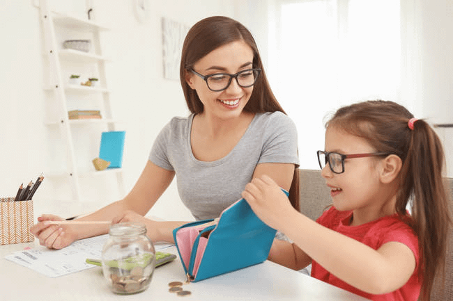 6 Money Habits to Teach Your Kids